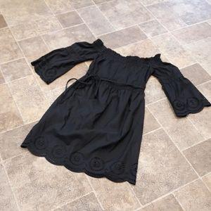 Venus womens size 4 bell sleeve off shoulder dress